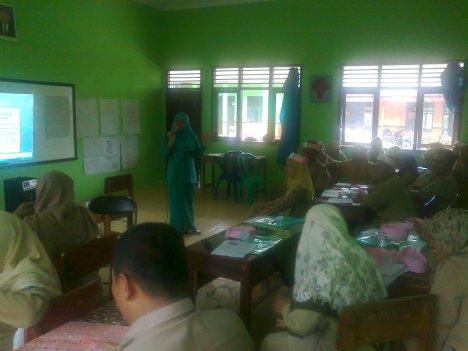 Pelatihan Model Pembelajaran Oleh Miskiah, MPd
